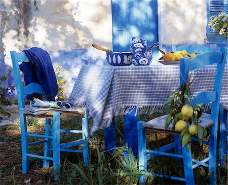 south - Blue and white table with lemon Stock Photo - Premium Royalty-Free, Code: 689-03124140