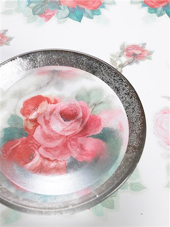 rose patterns - Plate with a flowery pattern Stock Photo - Premium Royalty-Free, Code: 689-03126063