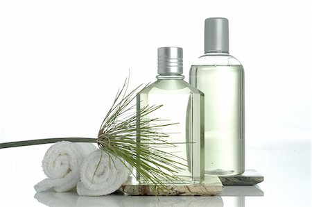 Men's Spa: Towels and small bottles Stock Photo - Premium Royalty-Free, Code: 689-03129794