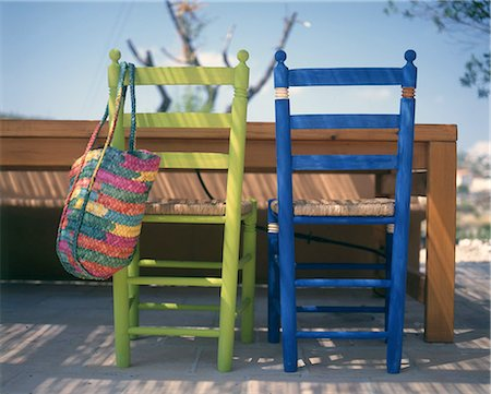 two chairs blau and green Stock Photo - Premium Royalty-Free, Code: 689-03123748