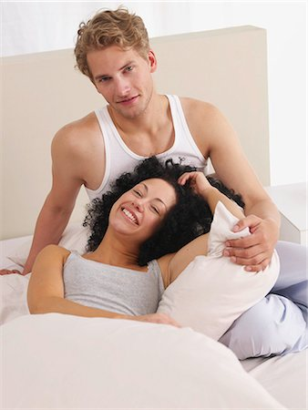 Lazy weekend in bed Stock Photo - Premium Royalty-Free, Code: 689-03131281