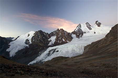 Condoriri Massif and glacier in the Cordillera Real, Andes Mountain, Bolivia, South America Stock Photo - Premium Royalty-Free, Code: 682-05650514