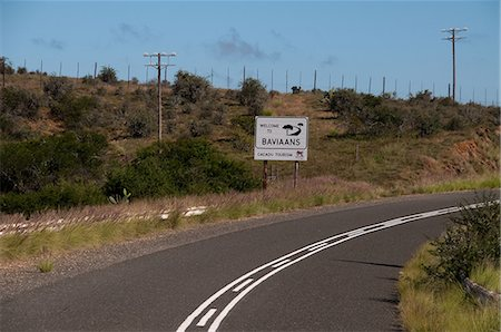 Desert road, Baviaans Kloof, Eastern Cape, South Africa Stock Photo - Premium Royalty-Free, Code: 682-05977050