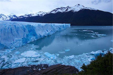 perito moreno glacier - View of Perito Moreno Glacier in low evening light, Parque Nacional Los Glaciares, El Calafate, Patagonia, Argentina, South America Stock Photo - Premium Royalty-Free, Code: 682-05977106