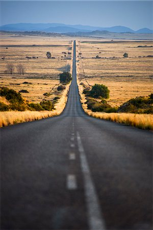 empty - View of empty road, Free State, South Africa Photographie de stock - Premium Libres de Droits, Code: 682-07281062