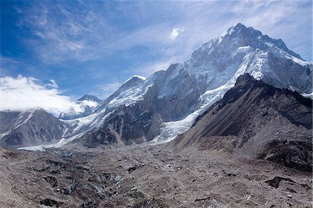 extremism - The snow capped high altitude peaks surrounding the Khumbu icefall and Mt. Everest base camp. Himalayas, Everest region, Nepal Stock Photo - Premium Royalty-Free, Code: 682-07281469