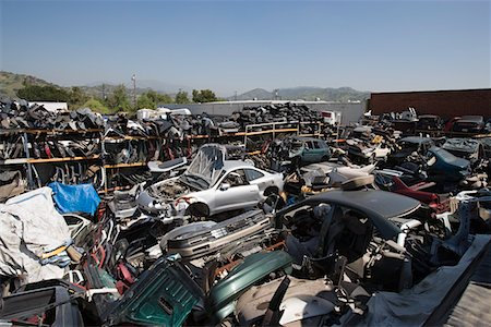 Junkyard Stock Photo - Premium Royalty-Free, Code: 694-03328712