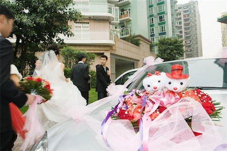 Wedding decorations on car Stock Photo - Premium Royalty-Free, Code: 695-03377459