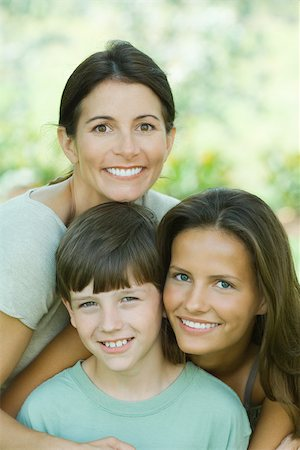 Portrait of mother with teenage daughter and son Stock Photo - Premium Royalty-Free, Code: 695-03380388