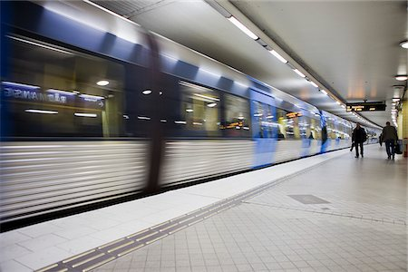 Railroad platform Stock Photo - Premium Royalty-Free, Code: 698-05958031