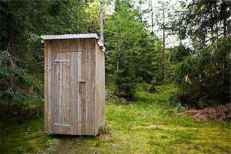 Outhouse in the woods Stock Photo - Premium Royalty-Free, Code: 698-05958992