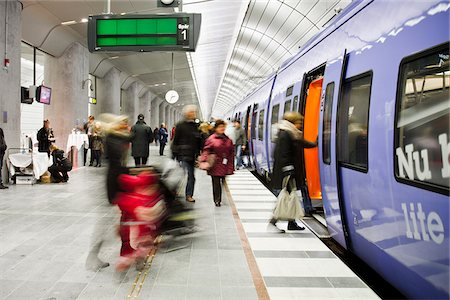 platform - Subway station Stock Photo - Premium Royalty-Free, Code: 698-05959155