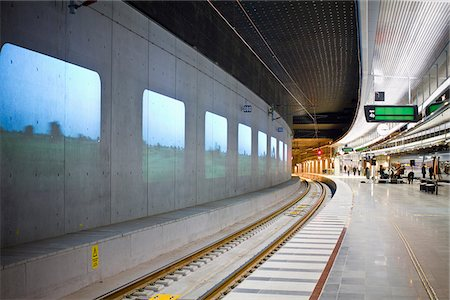 platform - Subway station Stock Photo - Premium Royalty-Free, Code: 698-05959157