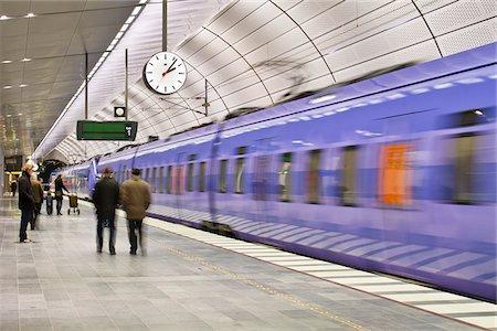 platform - Subway station Stock Photo - Premium Royalty-Free, Code: 698-05959158