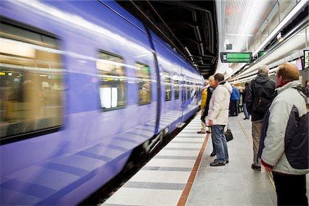 platform - Subway station Stock Photo - Premium Royalty-Free, Code: 698-05959153