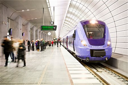 platform - Subway station Stock Photo - Premium Royalty-Free, Code: 698-05959160