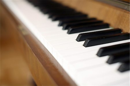 repeating - Close-up of piano keyboard Stock Photo - Premium Royalty-Free, Code: 698-06116864