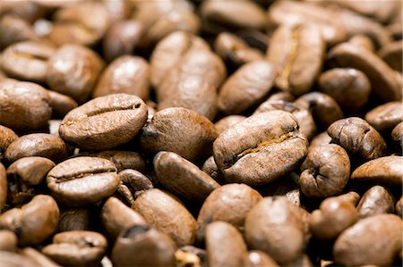 Full frame shot of coffee beans Stock Photo - Premium Royalty-Free, Code: 698-06375070