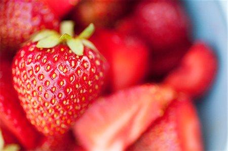 strawberries - Selective focus of fresh strawberry Stock Photo - Premium Royalty-Free, Code: 698-06443718
