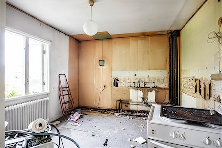 Kitchen undergoing renovation Stock Photo - Premium Royalty-Free, Code: 698-06615689