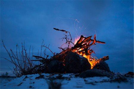 fire - Bonfire burning in winter Stock Photo - Premium Royalty-Free, Code: 698-06804108