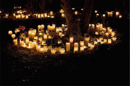 Candles burning at night Stock Photo - Premium Royalty-Free, Code: 698-07158456