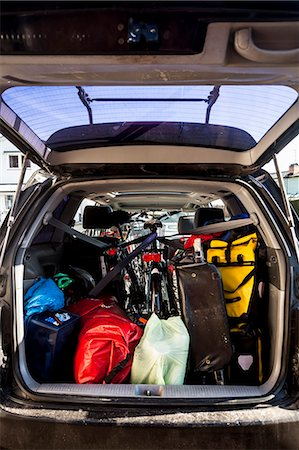 Mountaineering equipment loaded in car trunk Stock Photo - Premium Royalty-Free, Code: 698-07813050