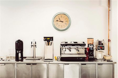 equipment - Various coffee makers on commercial kitchen counter Stock Photo - Premium Royalty-Free, Code: 698-08226388