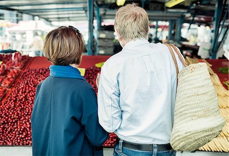 sale - Rear view of senior couple buying fruits at market Stock Photo - Premium Royalty-Free, Code: 698-08226791