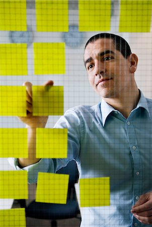 remembered - Man with yellow post-it Stock Photo - Premium Royalty-Free, Code: 698-03656877