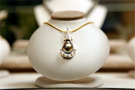 expensive jewelry - Round black pearl with diamonds Stock Photo - Premium Royalty-Free, Code: 693-06022199