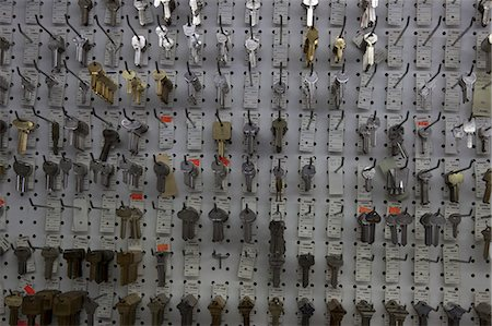 Keys on display in store Stock Photo - Premium Royalty-Free, Code: 693-06120836