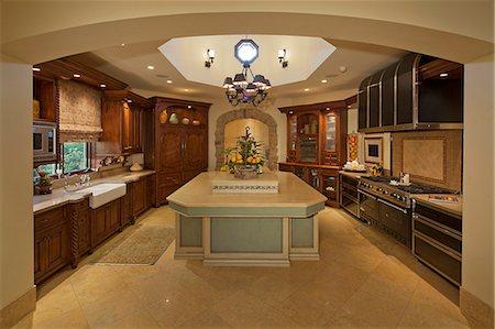 Classic Kitchen Stock Photo - Premium Royalty-Free, Code: 693-06667929