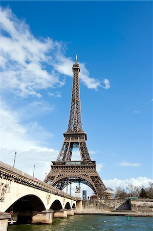 Eiffel Tower and River Seine in Paris, France Stock Photo - Premium Royalty-Free, Code: 693-06967301