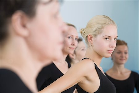 Young women in ballet rehearsal Stock Photo - Premium Royalty-Free, Code: 693-03317833