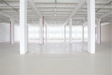 pillar - Empty warehouse Stock Photo - Premium Royalty-Free, Code: 693-03474175
