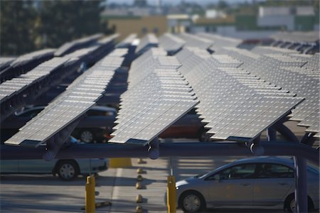solar panel usa - Photovoltaic array in Los Angeles, California Stock Photo - Premium Royalty-Free, Code: 693-03643952