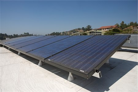 solar panel usa - Solar array on rooftop in Los Angeles, California Stock Photo - Premium Royalty-Free, Code: 693-03643972