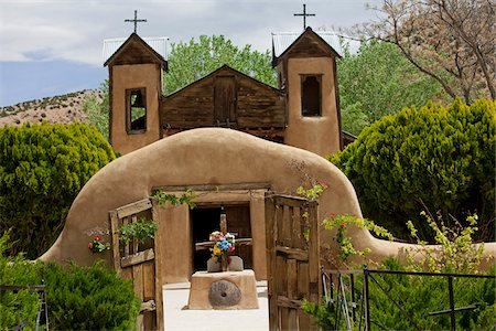 religious cross nobody - El Santuario de Chimayo, Chimayo, New Mexico, USA Stock Photo - Rights-Managed, Code: 700-04003361