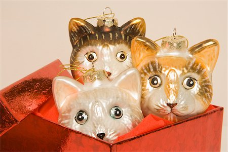 Cat Ornaments in Box Stock Photo - Rights-Managed, Code: 700-05451121