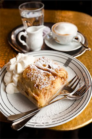 sugar - Apple Strudel, Cafe Schwarzenberg, Vienna, Austria Stock Photo - Rights-Managed, Code: 700-05609937