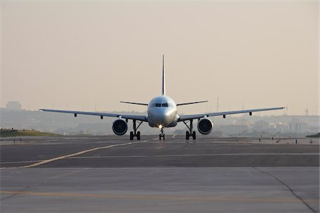 Airplane on Runway, Toronto, Ontario, Canada Stock Photo - Rights-Managed, Code: 700-05641920