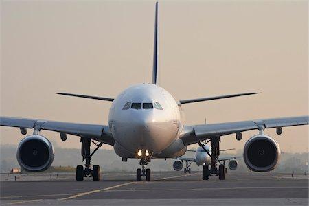 Plane on Tarmac, Toronto, Ontario, Canada Stock Photo - Rights-Managed, Code: 700-05641921
