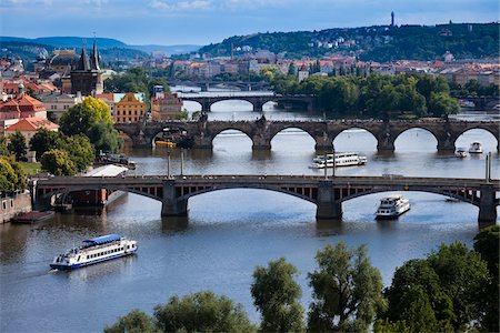 Bridges Over Vltava River Dividing Old Town from Little Quarter, Prague, Czech Republic Stock Photo - Rights-Managed, Code: 700-05642354