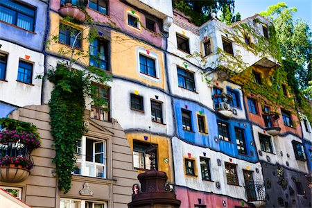 Hundertwasserhaus, Vienna, Austria Stock Photo - Rights-Managed, Code: 700-05642350