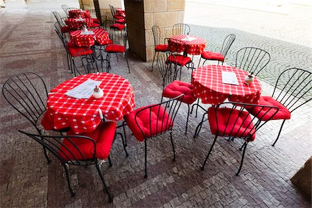 red chair - Restaurant Patio, Prague, Czech Republic Stock Photo - Rights-Managed, Code: 700-05642454