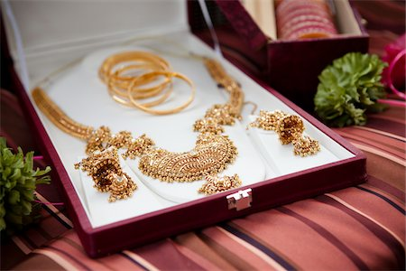 set - Close-Up of Gold Wedding Jewelry Stock Photo - Rights-Managed, Code: 700-05756388