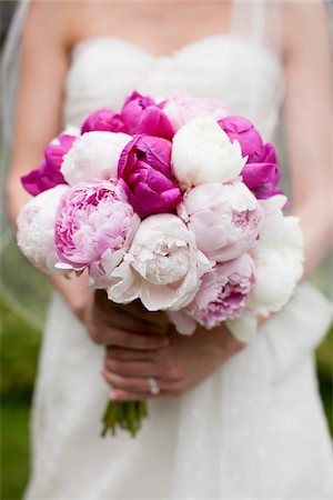 peony - Bride Holding Wedding Bouquet Stock Photo - Rights-Managed, Code: 700-05786620