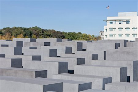 Memorial to the Murdered Jews of Europe and American Embassy, Berlin, Germany Stock Photo - Rights-Managed, Code: 700-05803419