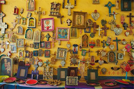 religious cross nobody - Crosses and Religious Items in Shop, Casa del Naranjos, Patzcuaro, Mexico Stock Photo - Rights-Managed, Code: 700-05803543